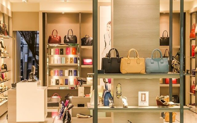 Vitrines et devantures sécurité pour magasin et commerce